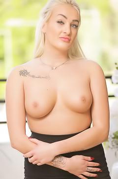Nude daisy lee Daisy Lee