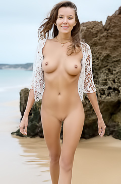 Nude And Natural Teen Clover On The Beach