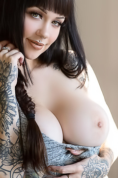Loretta Rose via Suicide Girls